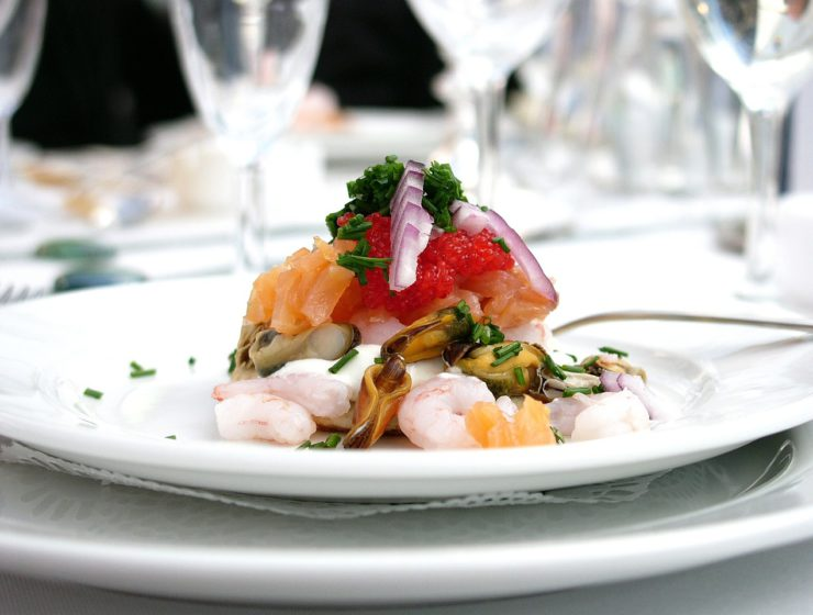 Fine Dining Etiquette: How to Make it Through Like a Pro