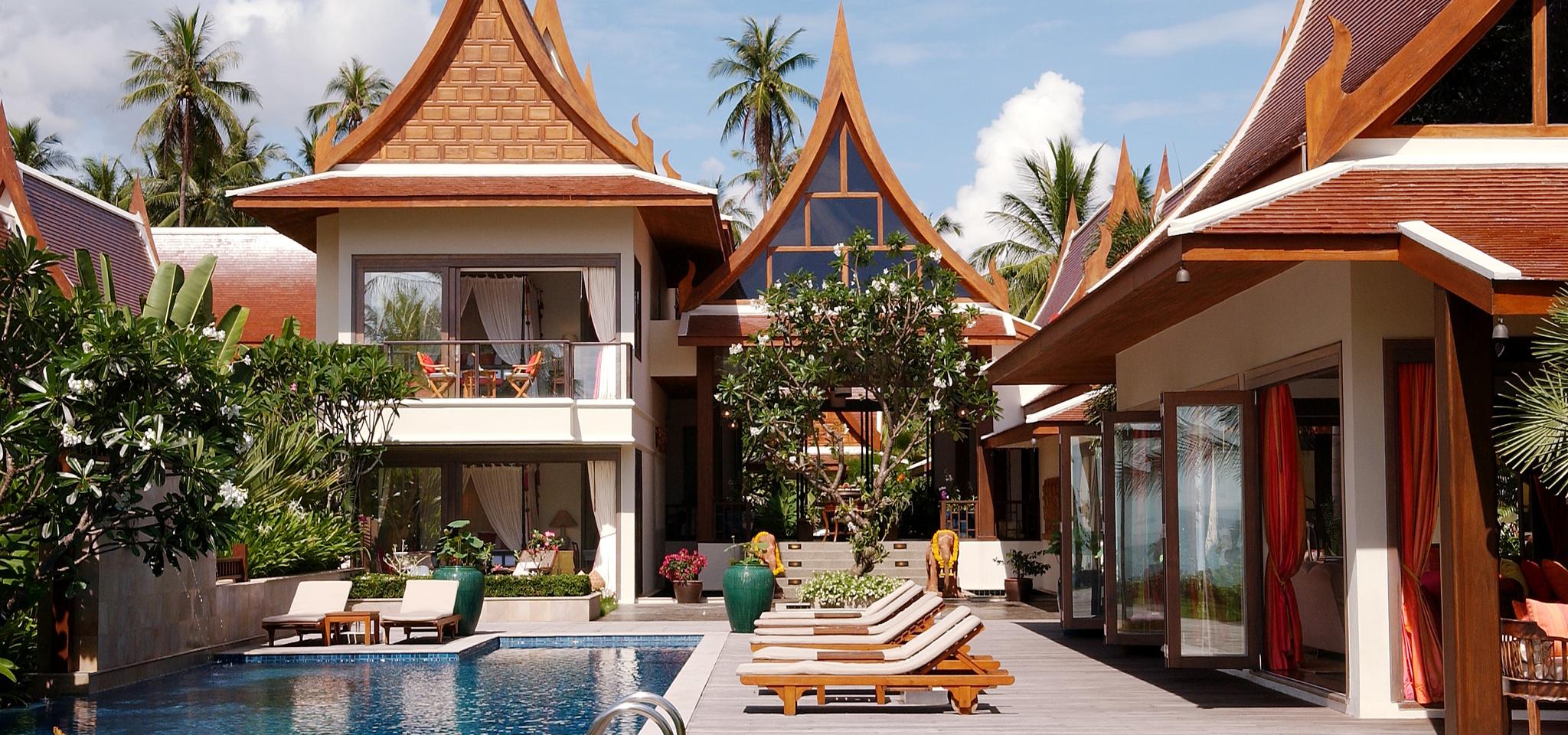 traditional luxury villa in thailand