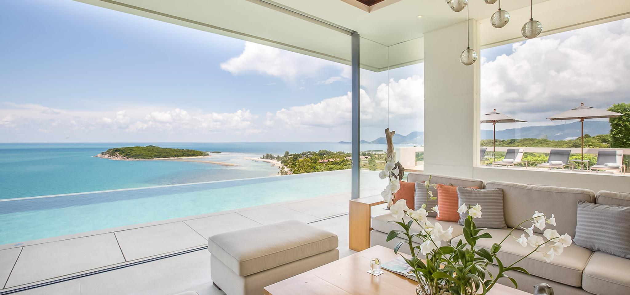 luxury villa in thailand overlooks the bay