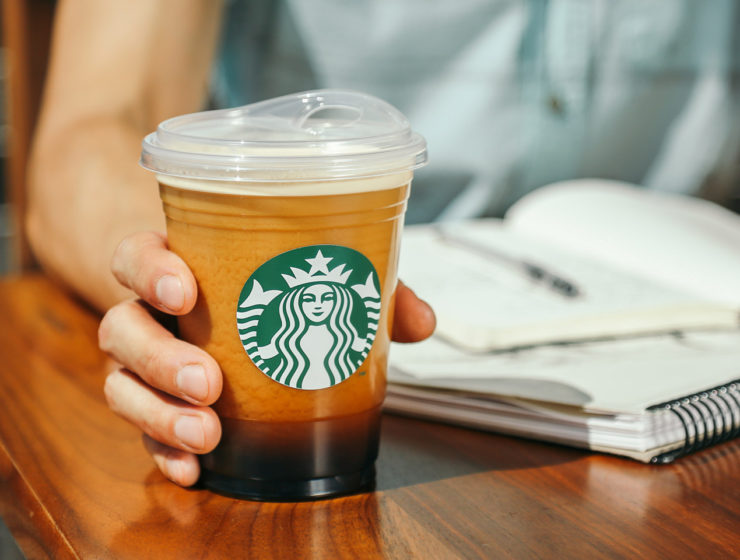 Starbucks to stop giving out plastic straws by 2020