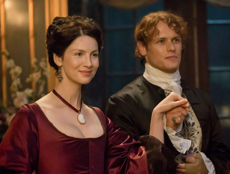 Outlander Caitriona Balfe and Sam Heughan season 4